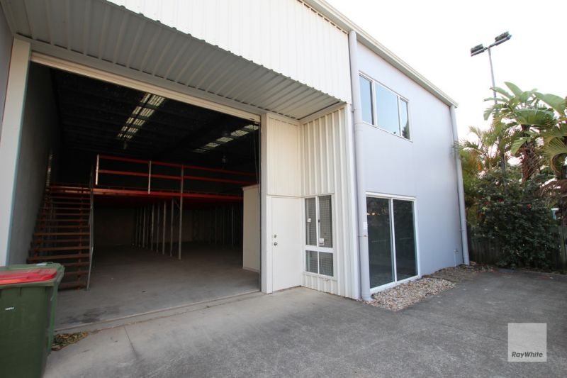 Affordable, Clean & Tidy Warehouse in Central Location For Sale