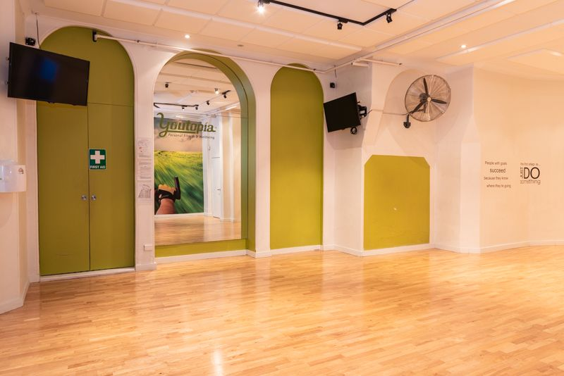 'READY-TO-GO' YOGA/FITNESS/DANCE STUDIO, ART GALLERY OR RETAIL SHOP WITH EXCELLENT EXPOSURE