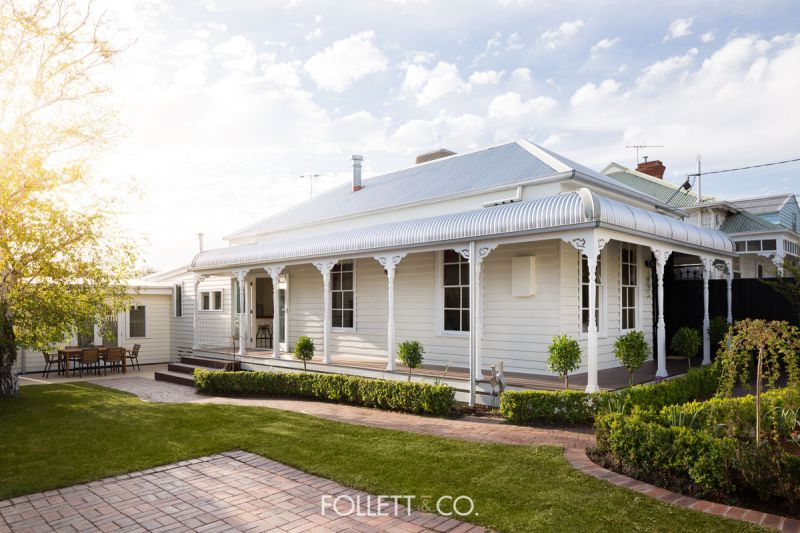 Period Elegance with Exquisite Modern Additions
