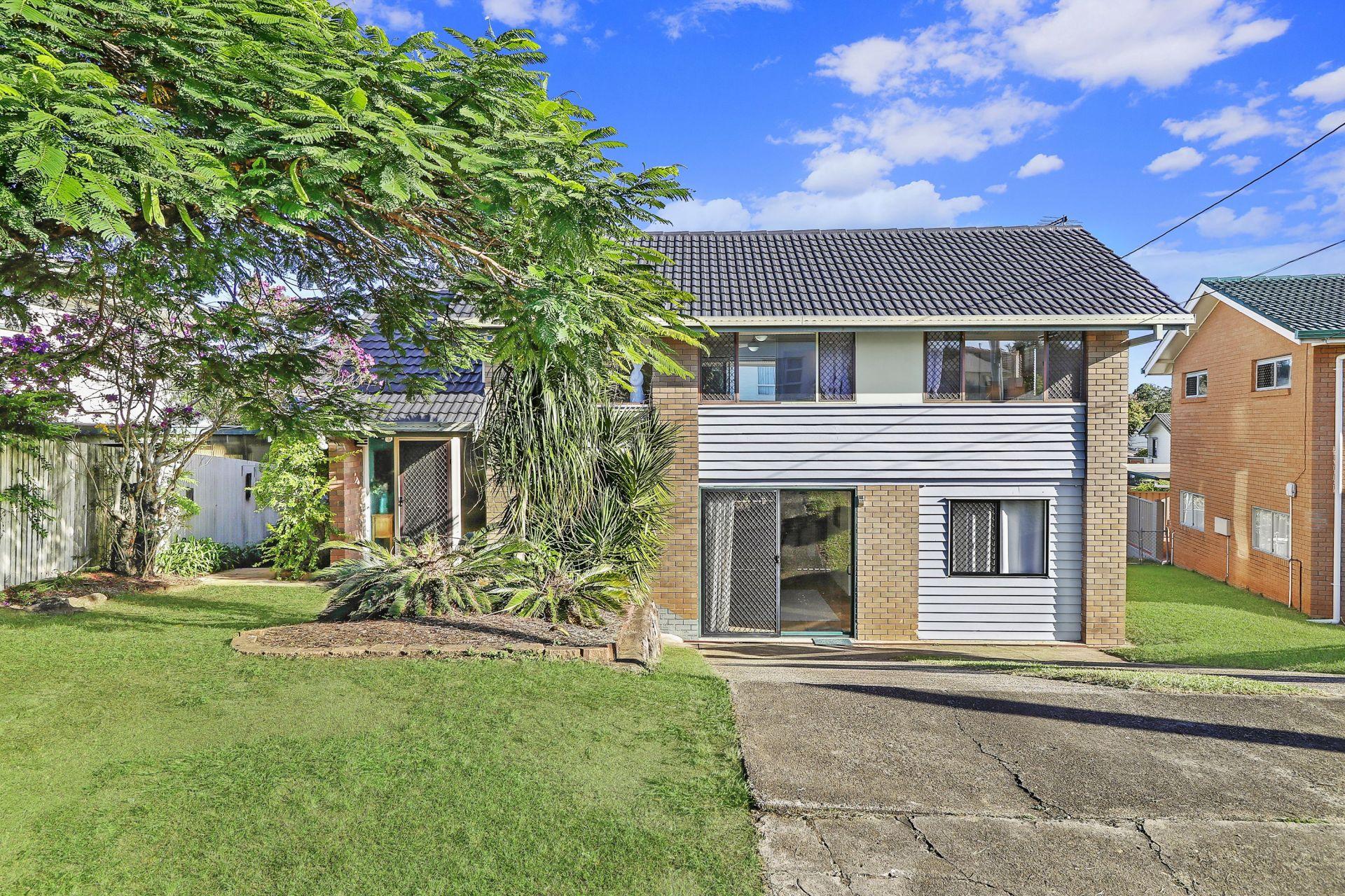 FERNY HILLS, QLD 4055