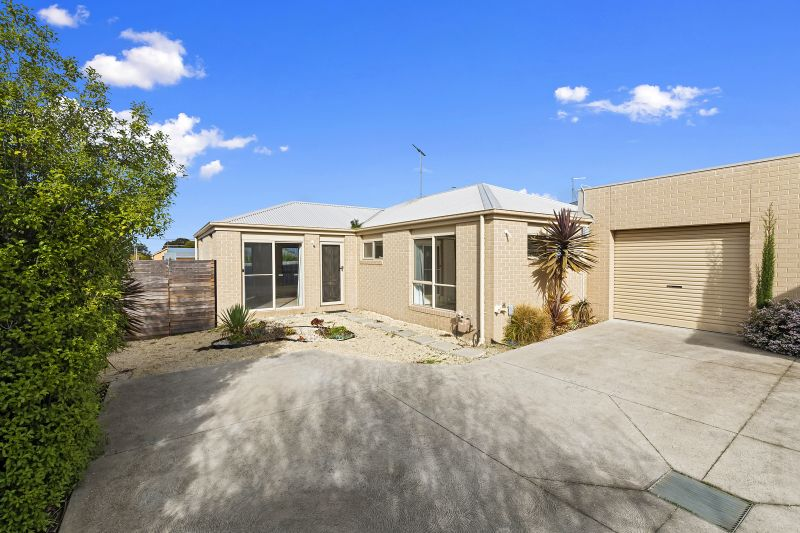 2/13 Summit Avenue Belmont