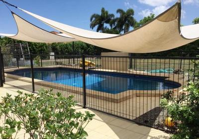 Executive 5 Bedroom Home - 3 Bathrooms - 4 Living Areas - Sparkling Inground Pool - Sorry no Pets!