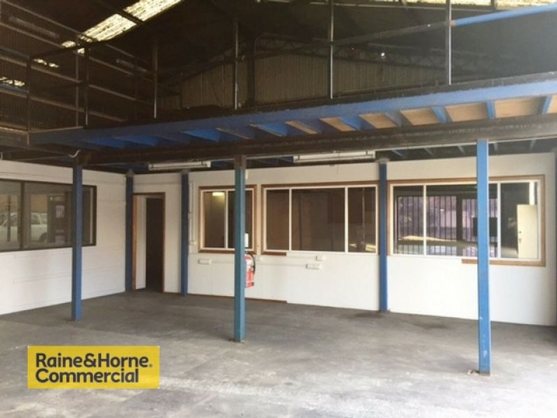 Warehouse with offices at Tuggerah
