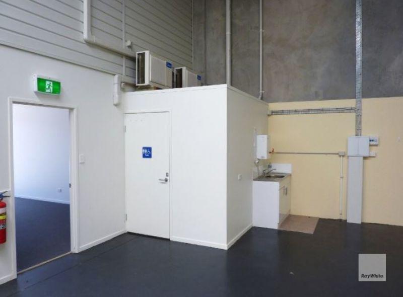 Modern Warehouse in Deception Bay for Sale