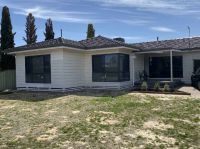 LARGE FAMILY HOME CLOSE TO WIMMERA RIVER