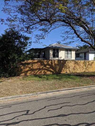 3Bdr Home, Large Deck, Great Location!