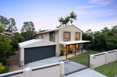 Modern Entertainer With Parkland Views
