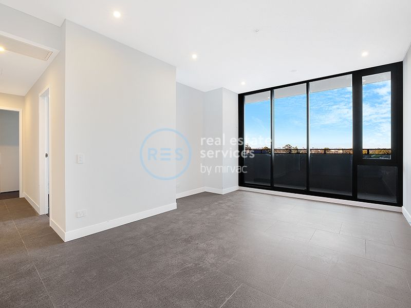Bright 2-Bedroom Apartment + Study Nook in Marrickville