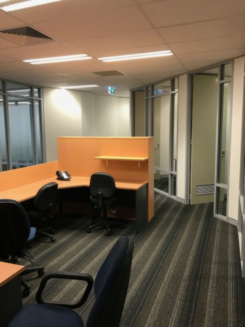 AMAZING OFFICE WITH COMPLETE FITOUT, FURNITURE & COMMS, GREAT VALUE!