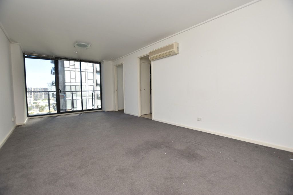 Bright and Fresh One Bedroom in Prime Location!