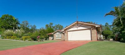 IMMACULATE BRICK HOME, DUCTED AIR CON WITH HUGE SHED AND CARAVAN SPACE