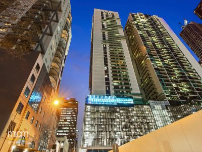 Australis: Near New One Bedroom Apartment in the Heart of the CBD!