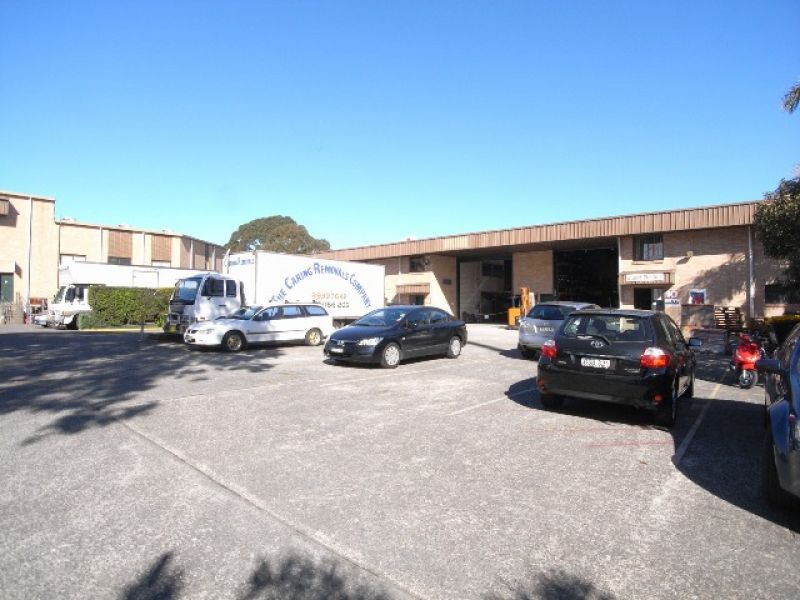 EXCELLENT HIGH BAY WAREHOUSE WITH MEZZANINE OFFICE