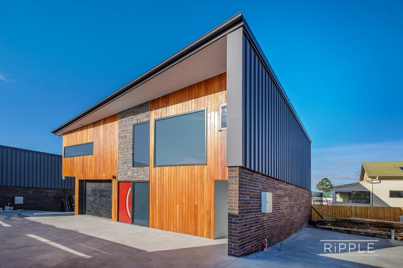 Choice of two outstanding executive townhouses
