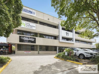 REFURBISHED BUILDING - SWEEPING CBD VIEWS!