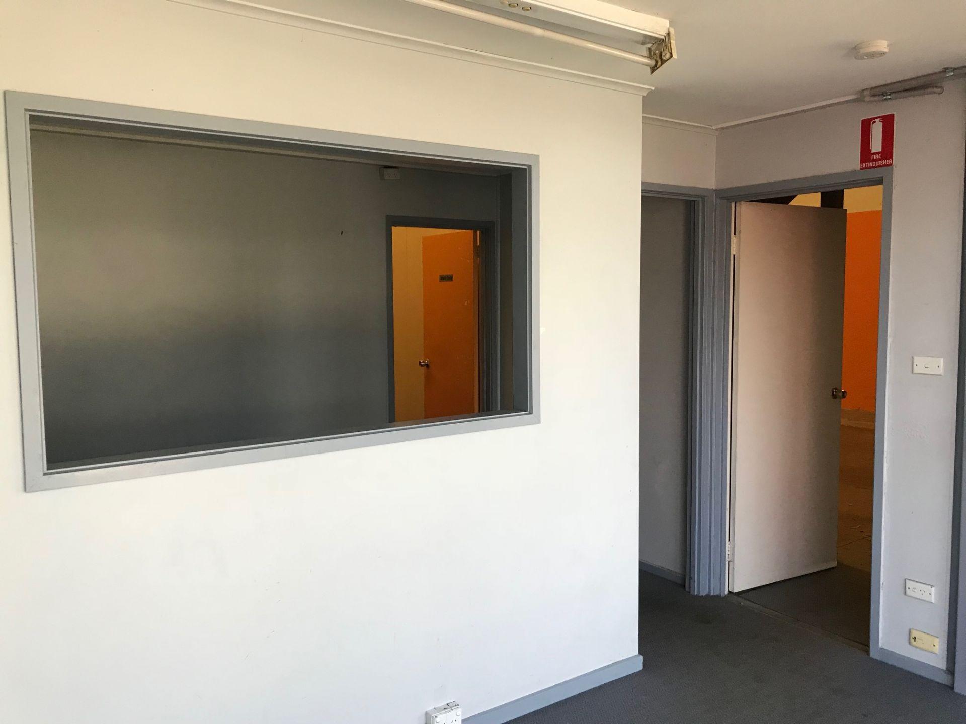 WAREHOUSE/ OFFICE CORNER POSITION