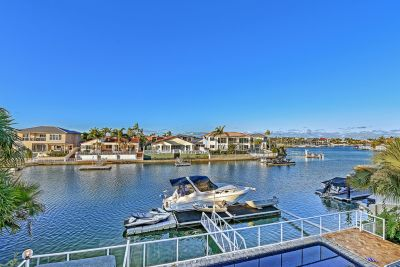 Prestigious Family Home with 19m+* of North facing waterfrontage