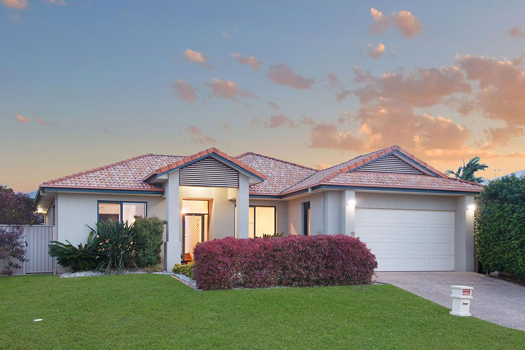 24 Mylestom Circle, Pottsville NSW 2489
