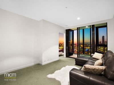 Luxury Platinum Tower Living with Breathtaking Northerly Views from High on the 42nd Floor