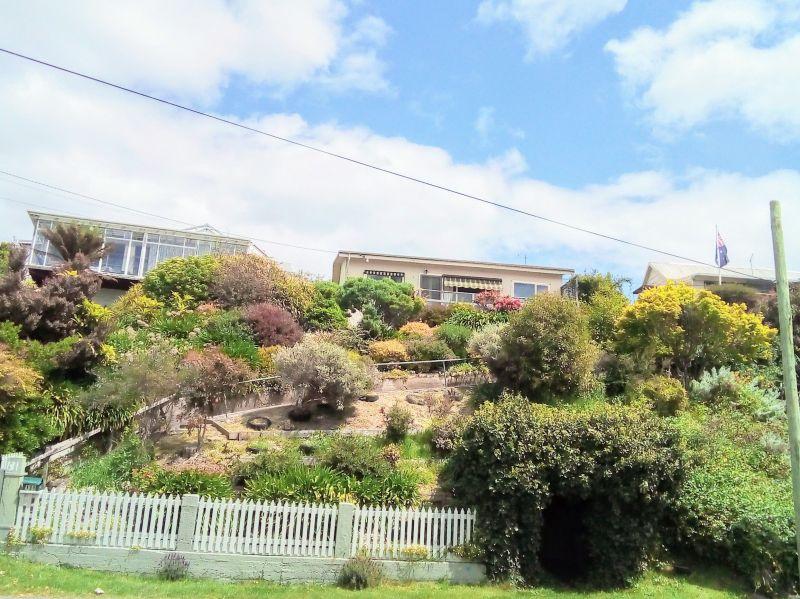 For Sale By Owner: 131 Flinders Street, Beauty Point, TAS 7270