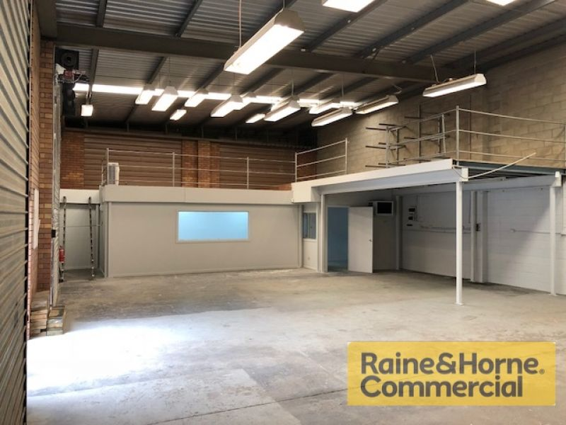 216sqm Well Presented Front Industrial Unit with Two Roller Doors