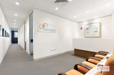 RECENTLY REFURBISHED MEDICAL SUITE IN SOUGHT AFTER BUILDING