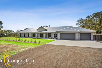 ticks all the boxes!  modern  5 bedroom home on 10 arable acres with stunning northerly aspect and huge shed.