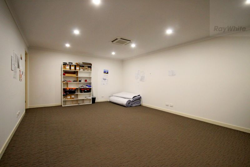 Warehouse & Office In The Heart Of Burleigh