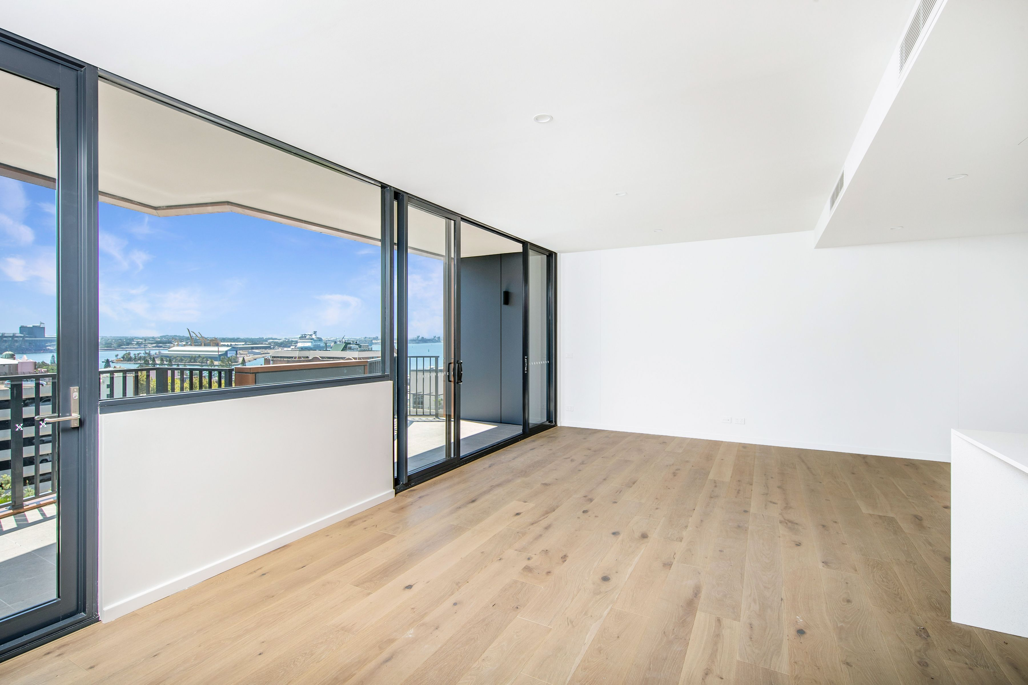 402/60 King Street, Newcastle