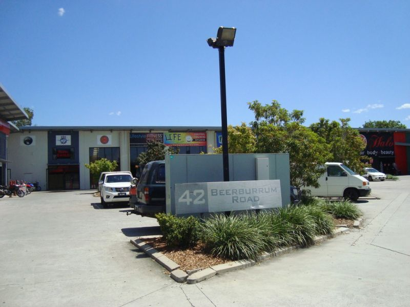 Excellent Location on Busy Beerburrum Road