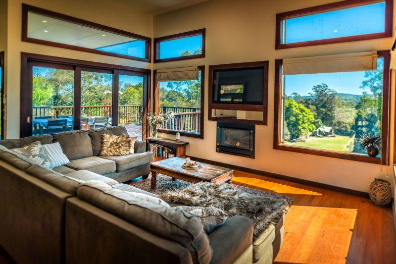 Sensational Home & Studio on Coastal Waterfront Acres
