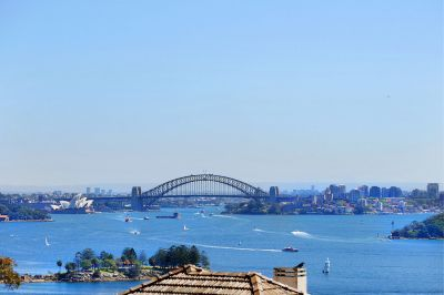 Prestigious dress circle location with unsurpassed harbour views