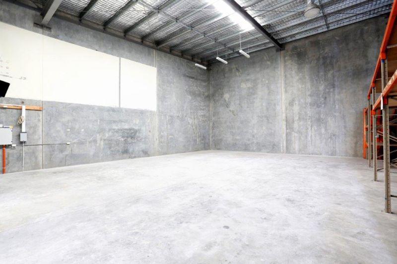 398sqm Modern Duplex Unit with Excellent Access
