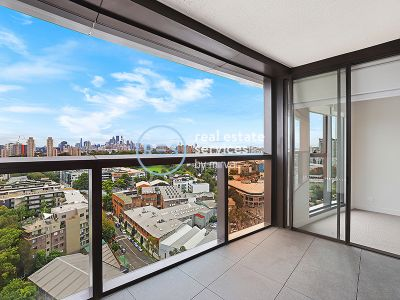 Stunning 2-Bedroom Apartment with City Views in Zetland