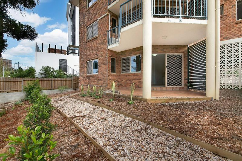 Spacious, breezy Taringa unit available now