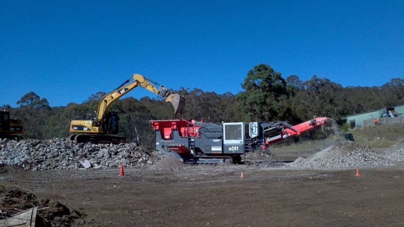 EARTHMOVING BUSINESS WITH QUARRY (SELLING FREEHOLD)
