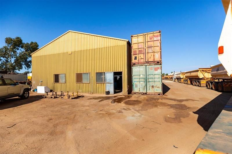 HUGE SITE with RAV10 Access/ Transport Yard