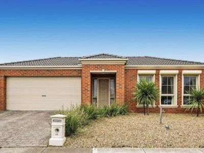 4 Bedrooms with Space to Move !!