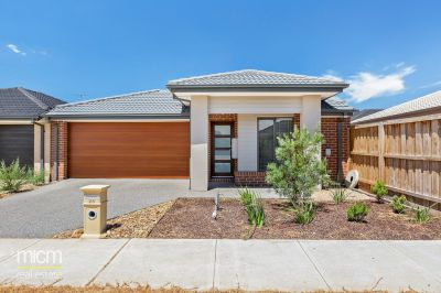 Instantly Inviting Family Spaces in Peaceful Point Cook Pocket