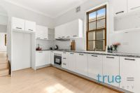 = HOLDING DEPOSIT RECEIVED = AFFORDABLE, RENOVATED AND PERFECTLY LOCATED
