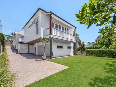 Beautiful Furnished Family Home in Great Location - Garden Maintenance Included
