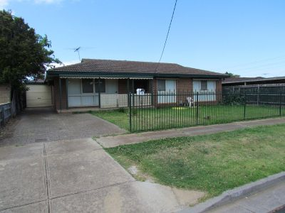 3 BEDROOM HOME IN A CENTRAL LOCATION