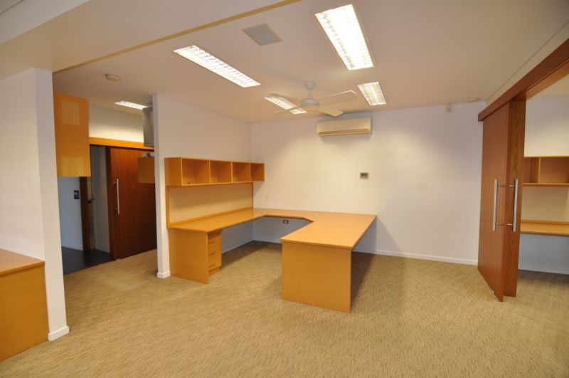 Well fit out ground floor offices