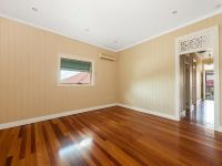 Renovated property, in ideal location for anyone looking to be central to Brisbane CBD