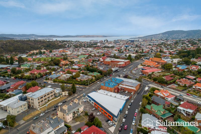 New Town - Great location with main road access