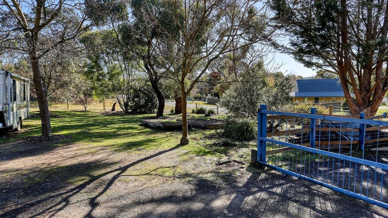 For Sale By Owner: 25 Magiltan Drive, Strathbogie, VIC 3666