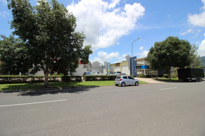 Woree Business Park Warehouse 240 sqm For Sale