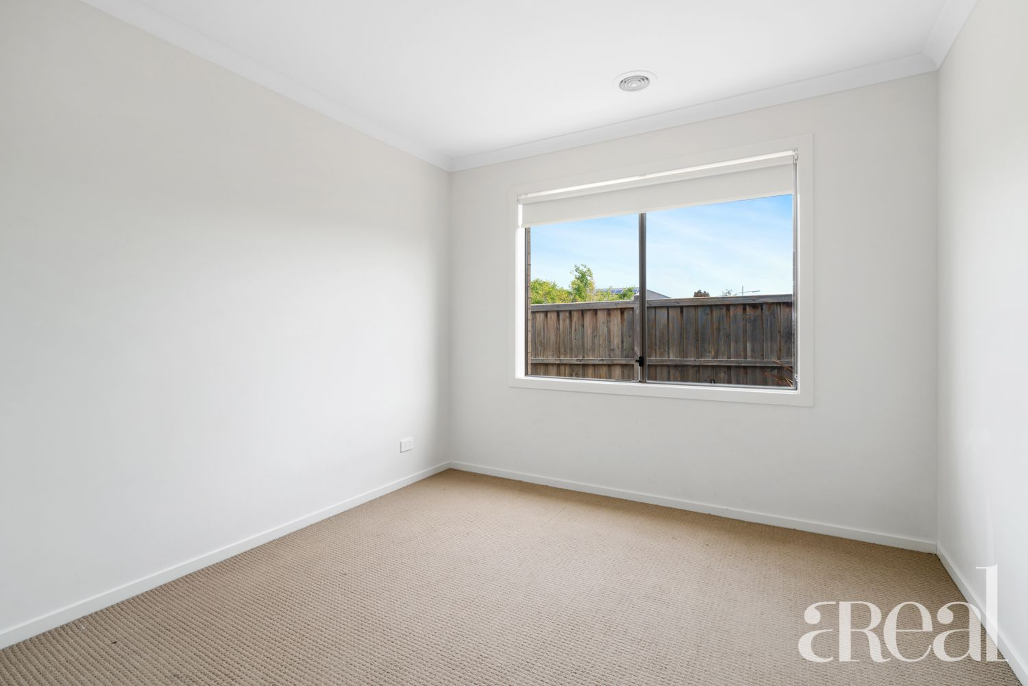 14 Maslin Walk, Point Cook VIC