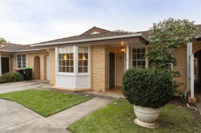 Spacious 2 Bedroom Unit in Beautiful & Convenient Location in Eastern Suburbs