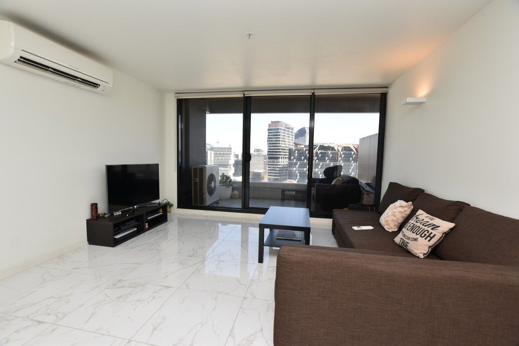 Neo 200: Gorgeous Furnished One Bedroom! (Short Term Lease)
